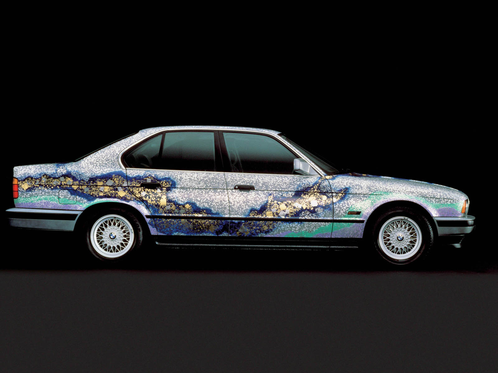 BMW E34 535i Art car