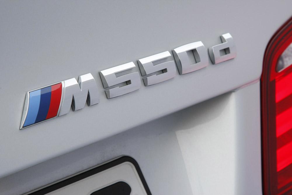 Фотография задней части BMW 550d в кузове F10 из линейки M-Performance