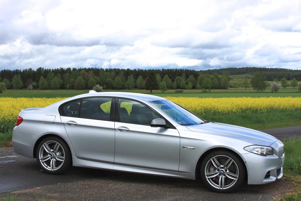 Фотография новой BMW 550d в кузове F10 из линейки M-Performance