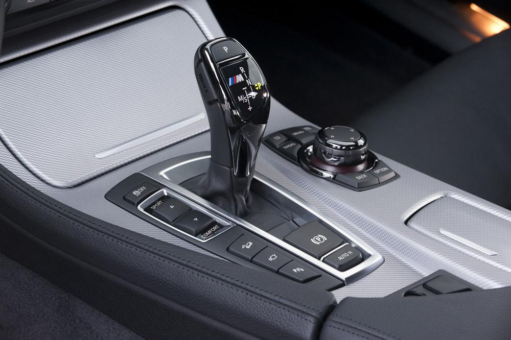 Фотография салона BMW 550d в кузове F10 из линейки M-Performance