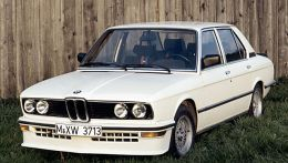 autopedia_BMW_5_Series_E12_M5_E12_597742.jpg