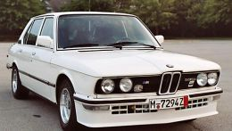 autopedia_BMW_5_Series_E12_M5_E12_262826.jpg