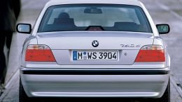 autopedia_BMW_7_Series_E38_7er_E38_710271.jpg
