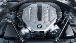 autopedia_BMW_7_Series_F01_F01_742752.jpg