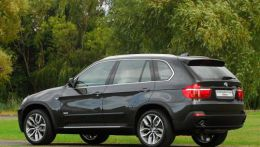 BMW X5 xDrive35d 10-Year Edition2.jpg
