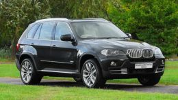 BMW X5 xDrive35d 10-Year Edition.jpg