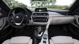 2017-BMW-4-Series-interior-01.jpg