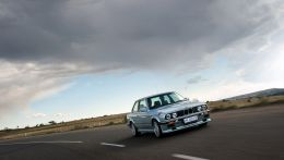 333i-Driving-Shot-image.jpg